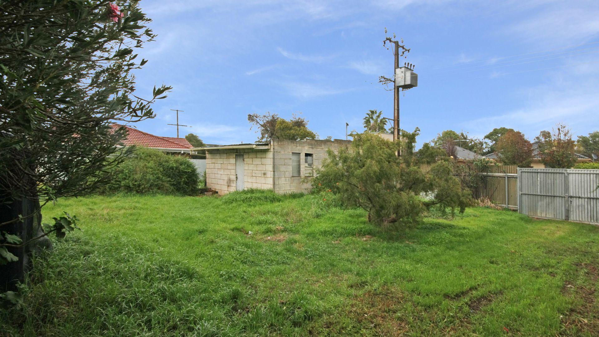 24 Tarranna Avenue, Park Holme SA 5043, Image 2