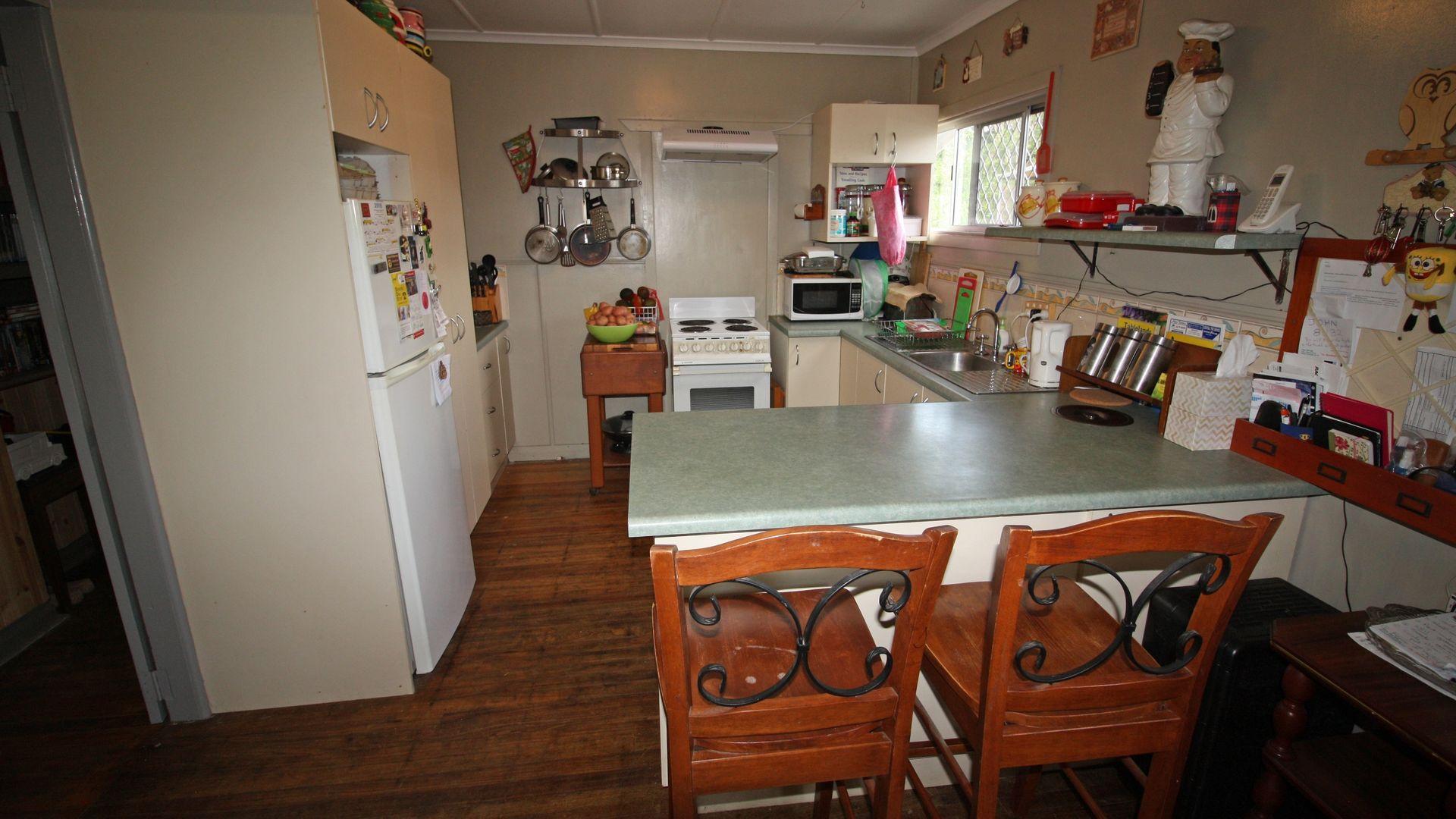 34 Sutherland Street, Mareeba QLD 4880, Image 2