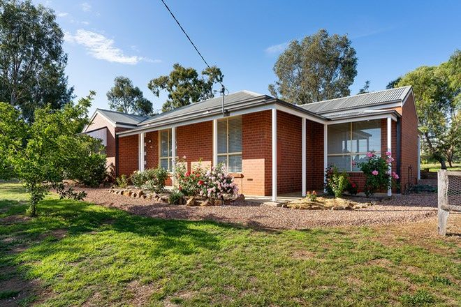 Picture of 42 Fryers Street, GUILDFORD VIC 3451
