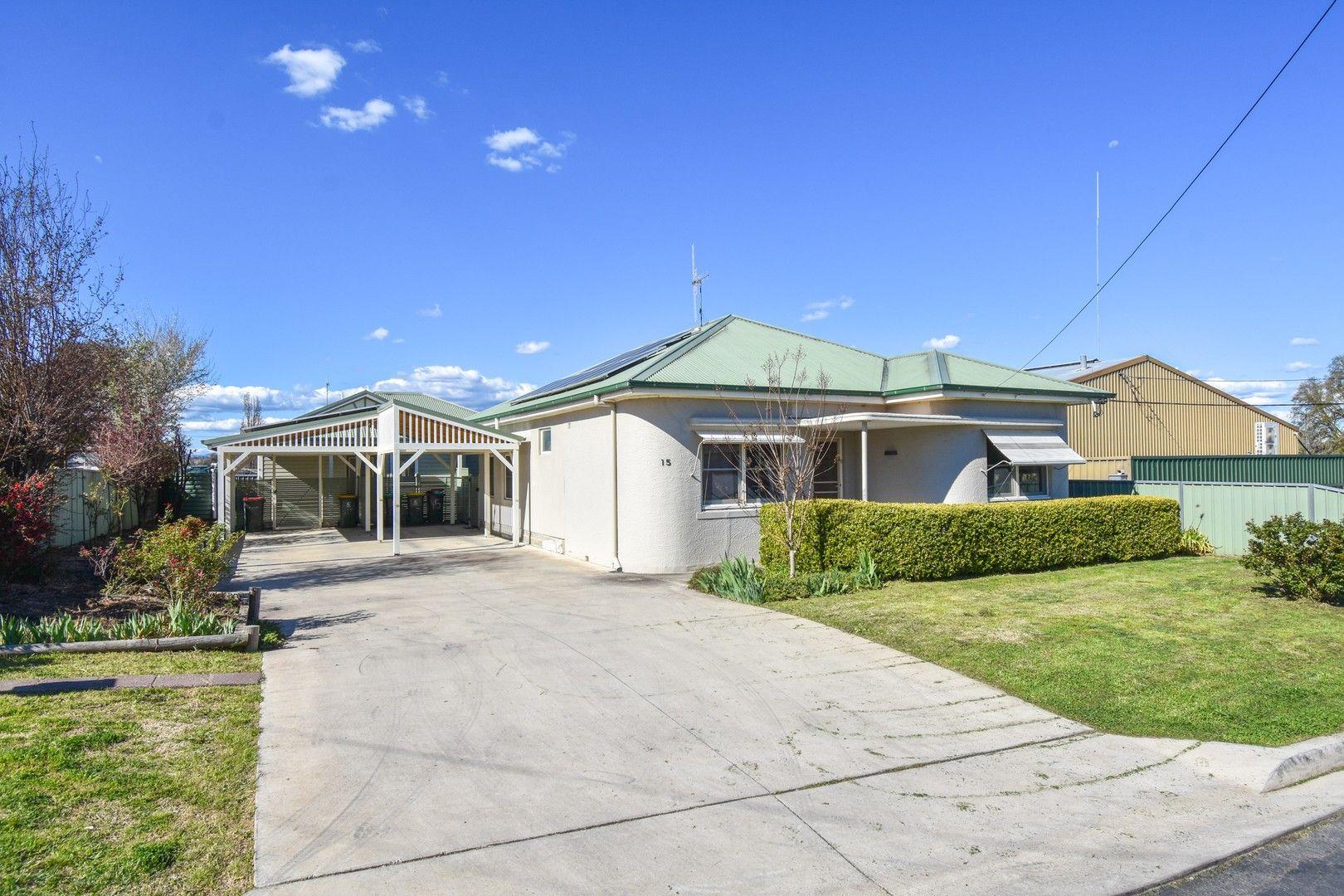15 Oakes Street, Bathurst NSW 2795, Image 0