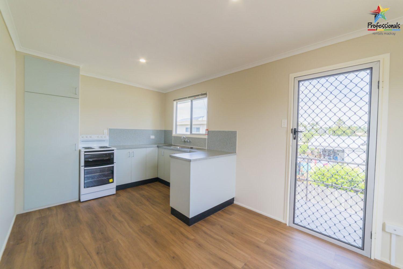 16 Eucalyptus Drive, Andergrove QLD 4740, Image 2