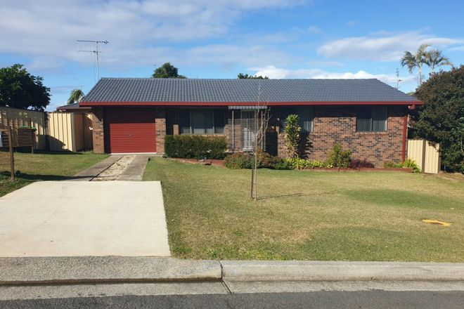 Picture of 9 Coromont Drive, HALLIDAYS POINT NSW 2430