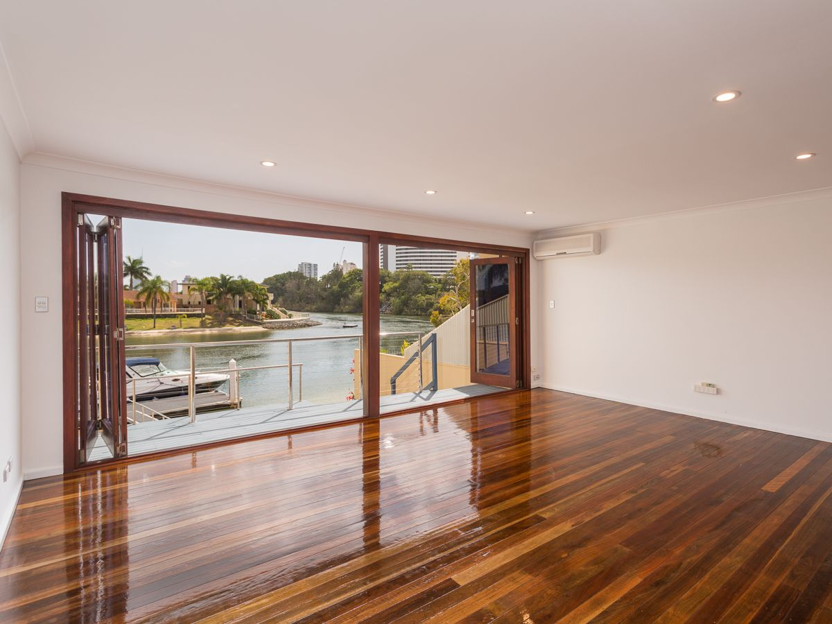 3/23 Hooker  Boulevard, Broadbeach Waters QLD 4218, Image 2