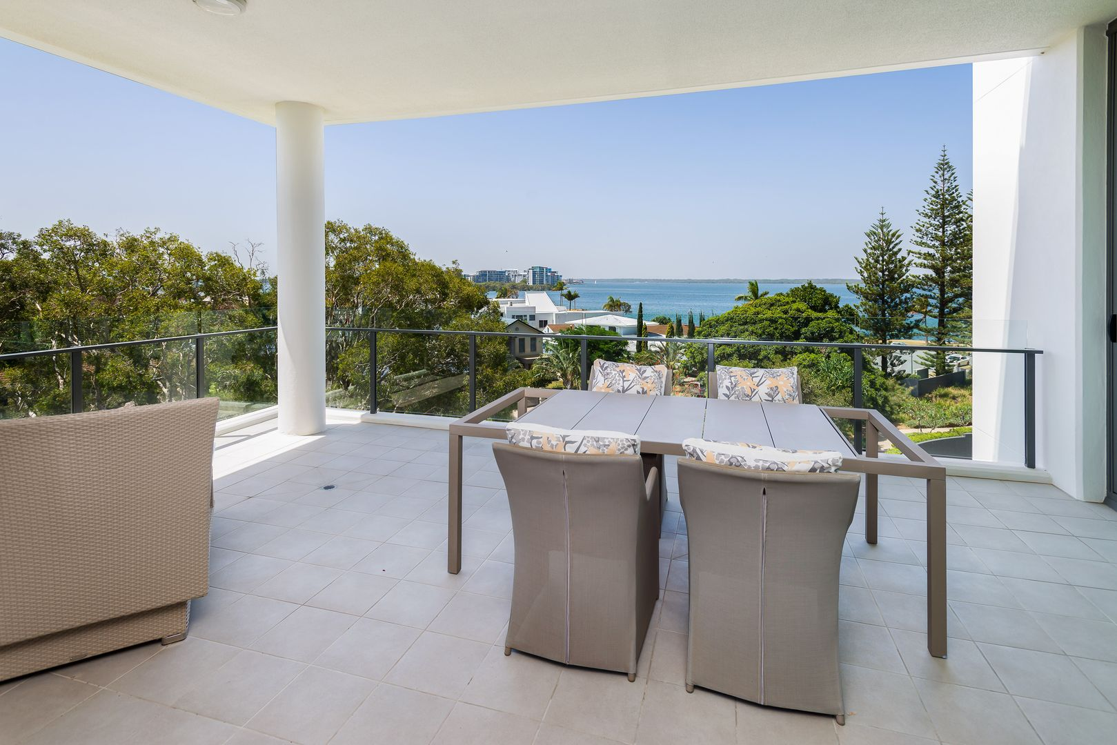 6401/323 Bayview Street, Hollywell QLD 4216, Image 2