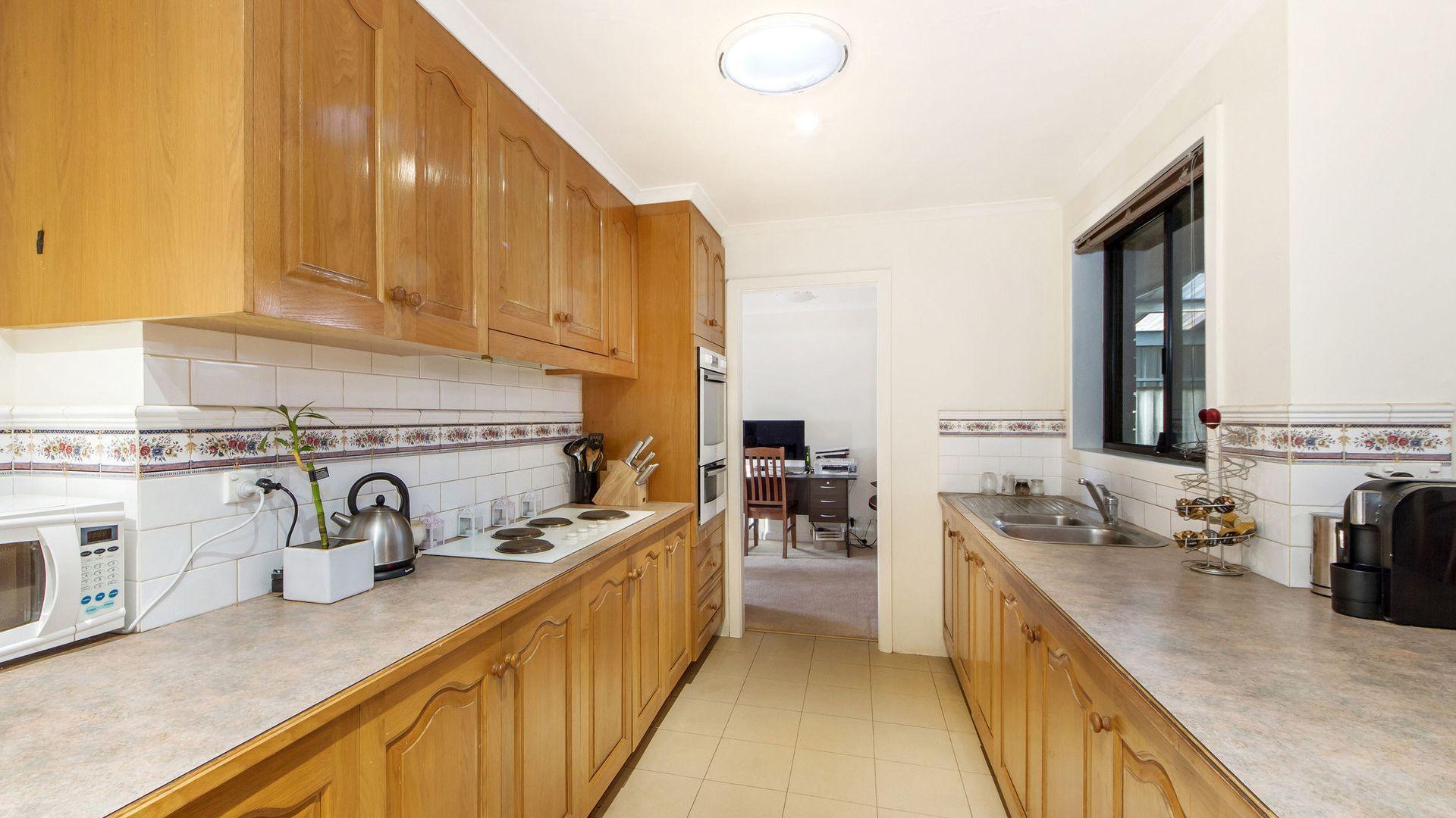 17 Penfold Place, Albanvale VIC 3021, Image 2