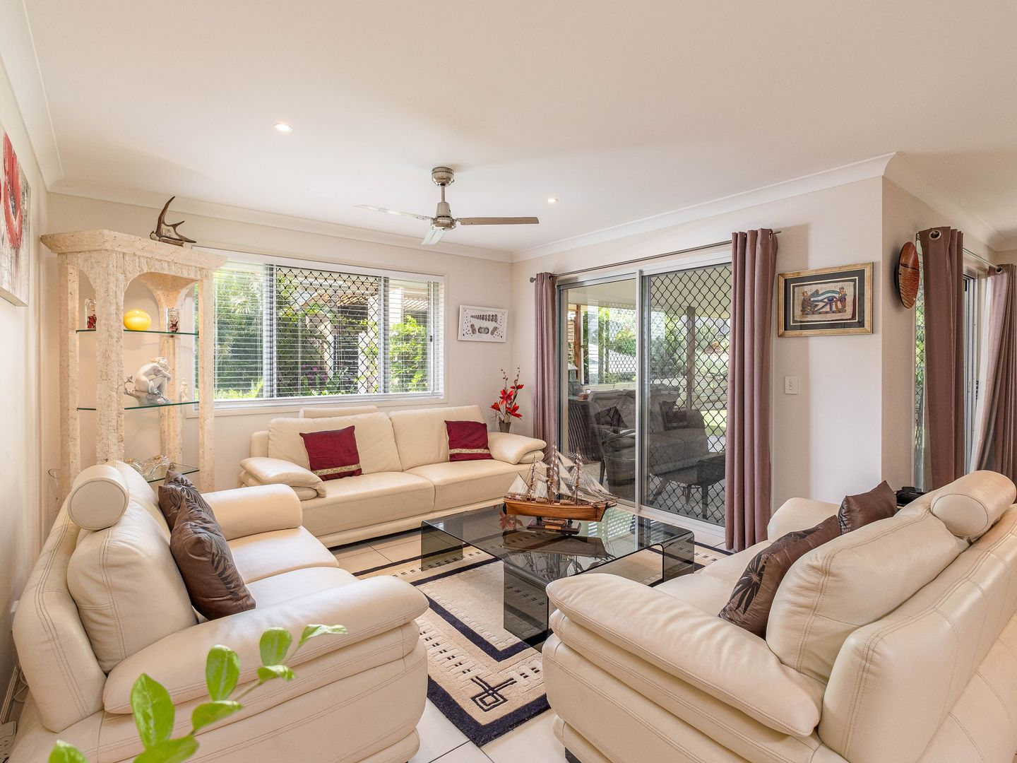 37 Presidential Avenue, Jones Hill QLD 4570, Image 2