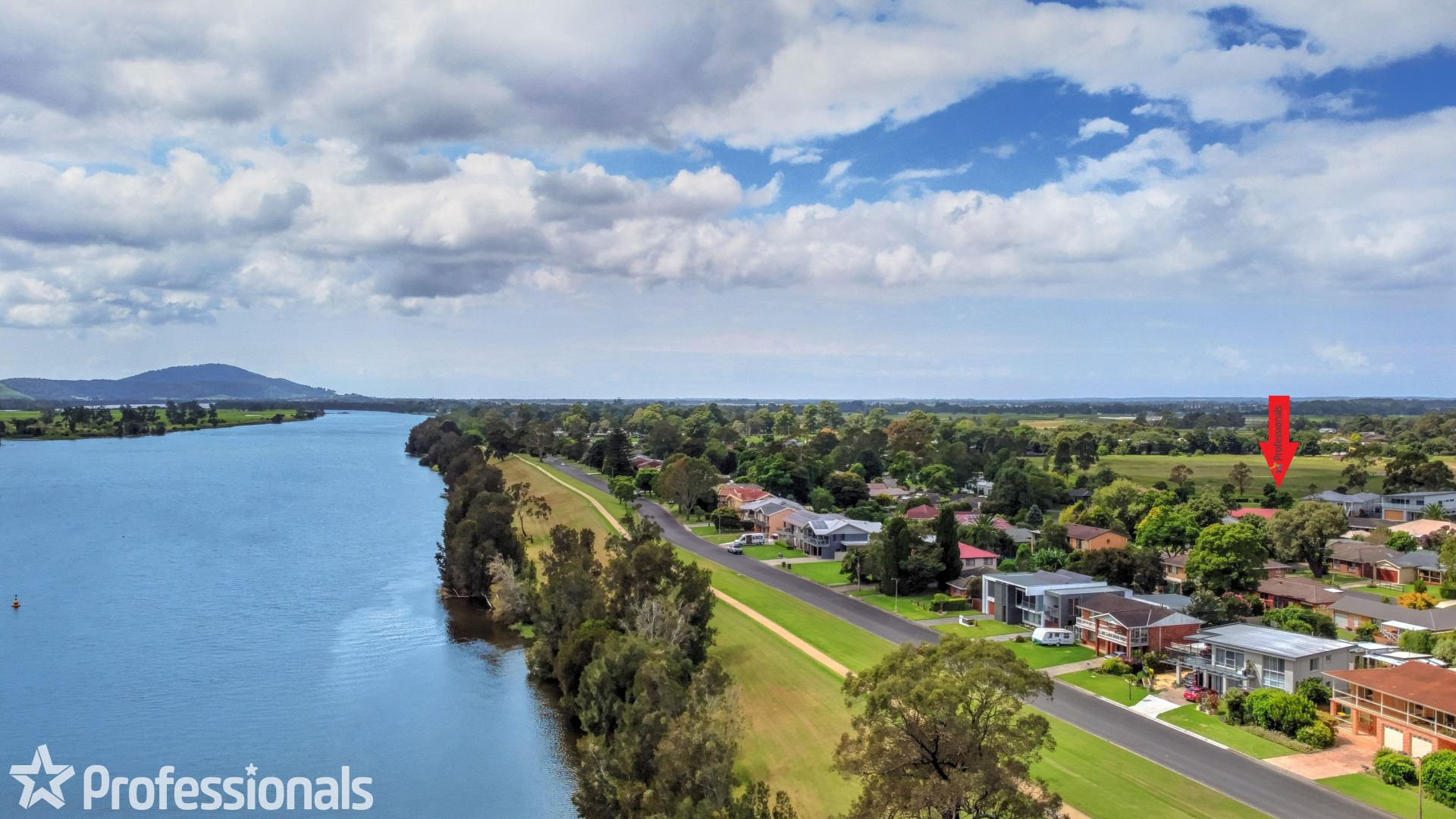 27 Lyrebird Drive, Nowra NSW 2541, Image 1