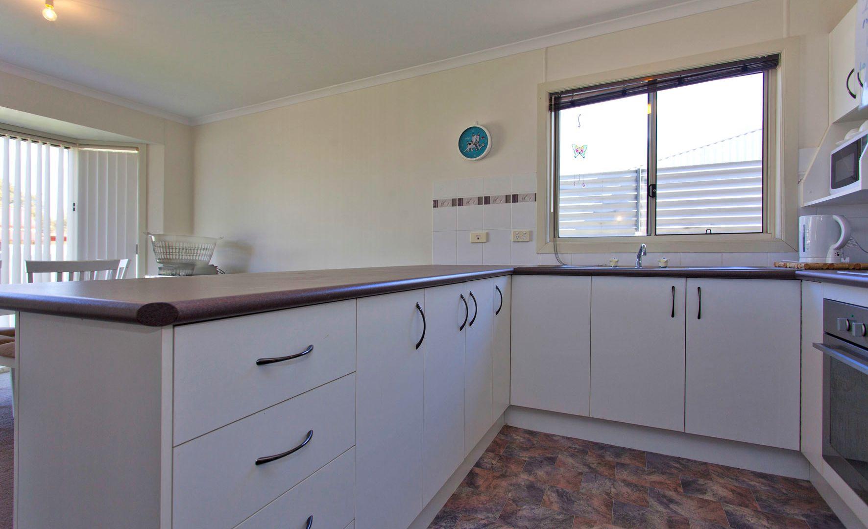18 Henty St, Culcairn NSW 2660, Image 1