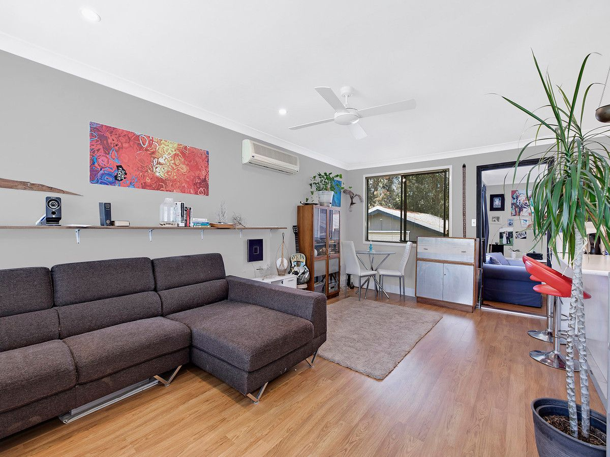 81 Kerry Crescent, Berkeley Vale NSW 2261, Image 2