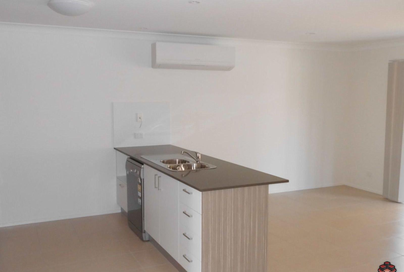 162/230 Pulgul Street, Urangan QLD 4655, Image 2