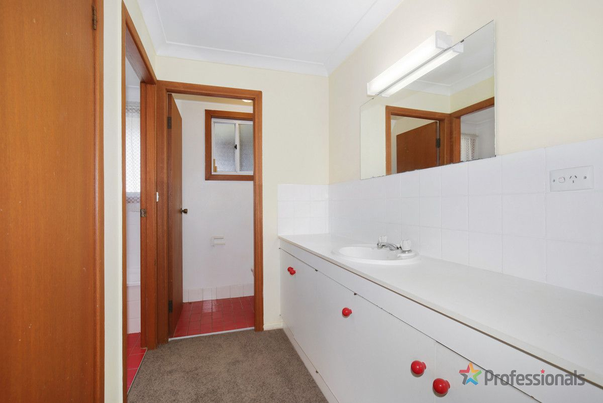 16 Sarah Place, Armidale NSW 2350, Image 2