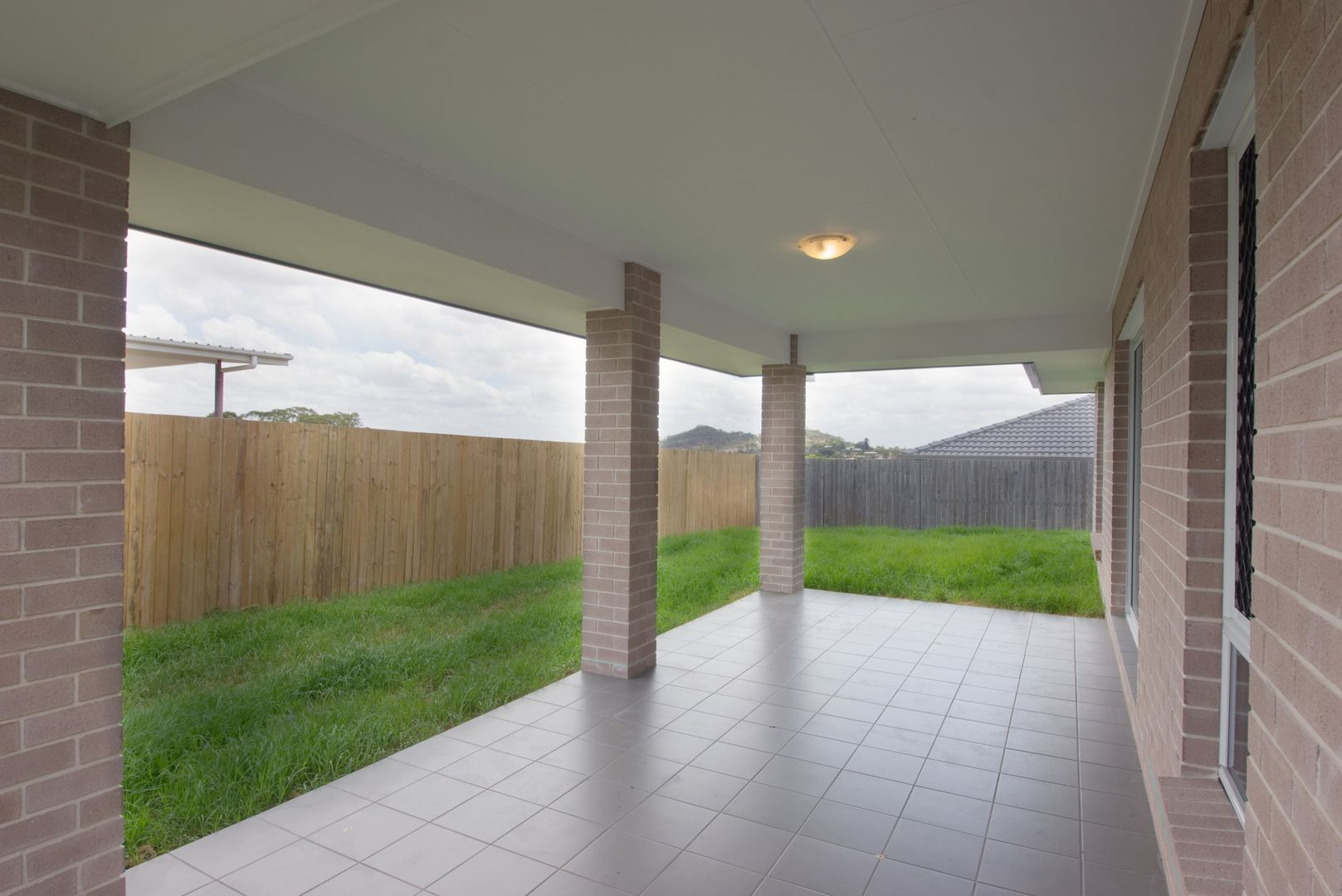 24 Taragon Street, Glenvale QLD 4350, Image 2