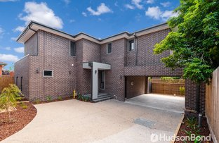 Picture of 2/42 Worthing  Avenue, Doncaster East VIC 3109