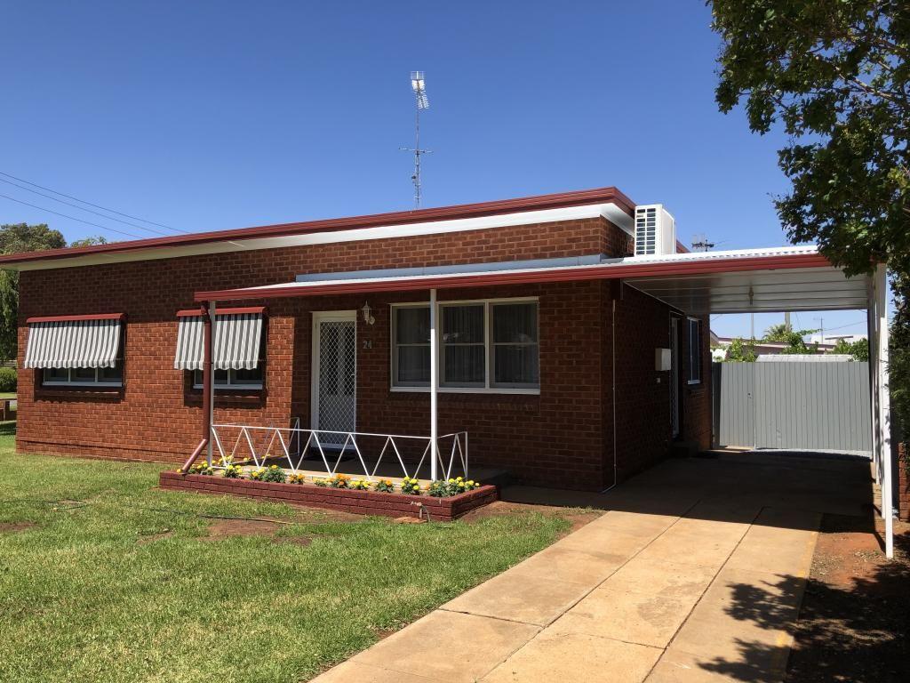 24 Cudgerie Avenue, Leeton NSW 2705, Image 0