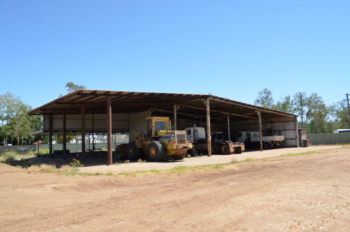 4 Slack Drive, Emerald QLD 4720, Image 2