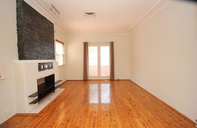 149 Hillcrest Avenue, Hurstville Grove NSW 2220, Image 2