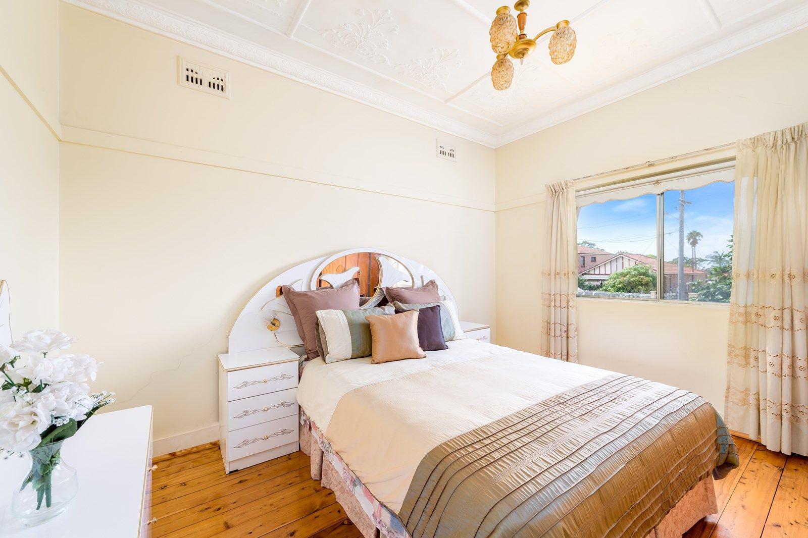 17 Colvin  Avenue, Carlton NSW 2218, Image 2
