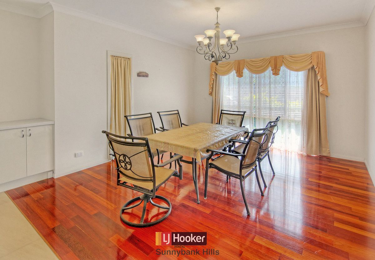 11 Silverbirch Close, Eight Mile Plains QLD 4113, Image 2