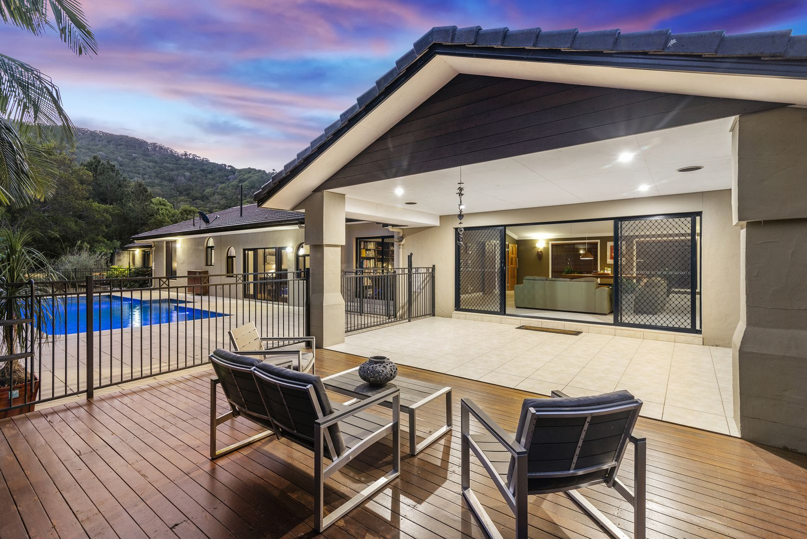 37 Fordyce Close, Currumbin Valley QLD 4223, Image 2