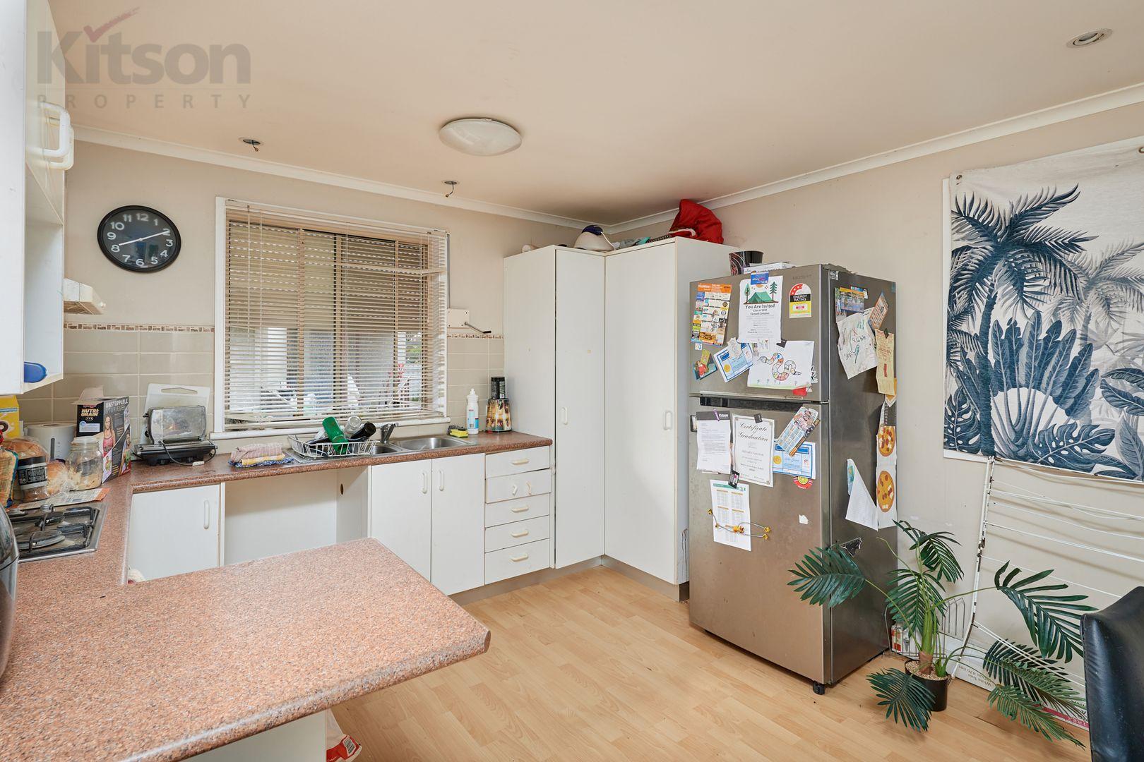 168 Raye Street, Tolland NSW 2650, Image 2