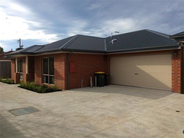 2/11 Gap Road, Riddells Creek VIC 3431, Image 1