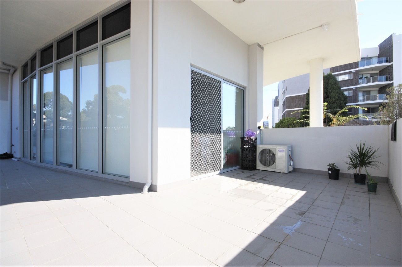 10/26 Tyler Street, Campbelltown NSW 2560, Image 2