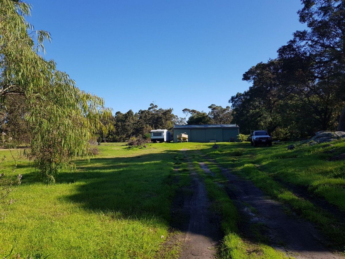 15 Robinson Road, Mount Elphinstone WA 6330, Image 1