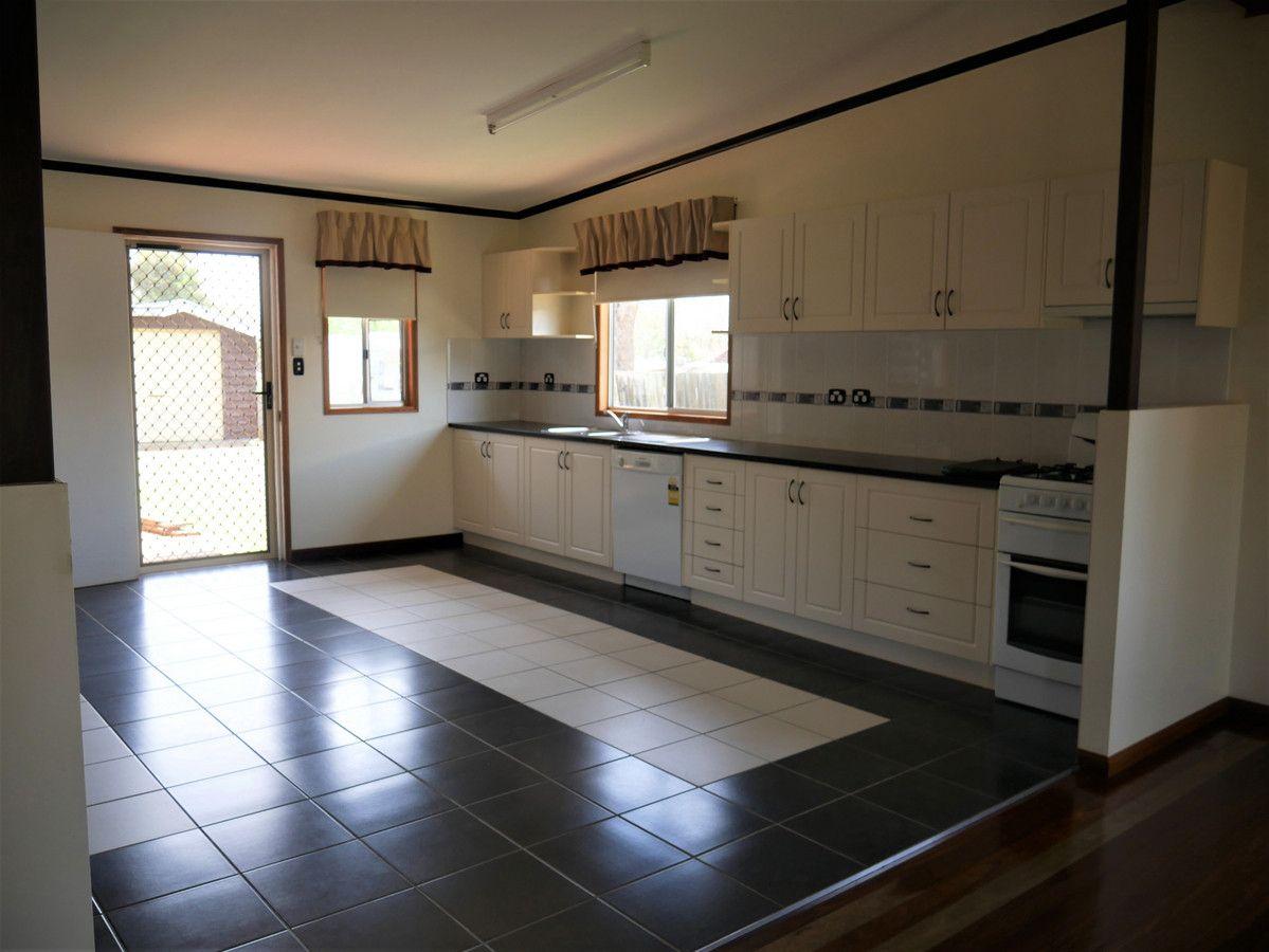 8 Short Street, Wooroolin QLD 4608, Image 1