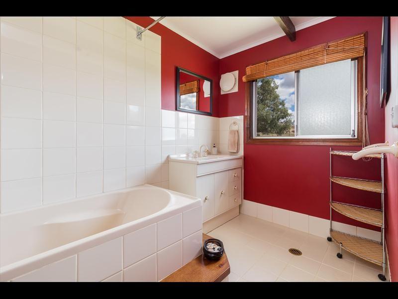 24 Barrack Street, Toogong NSW 2864, Image 1