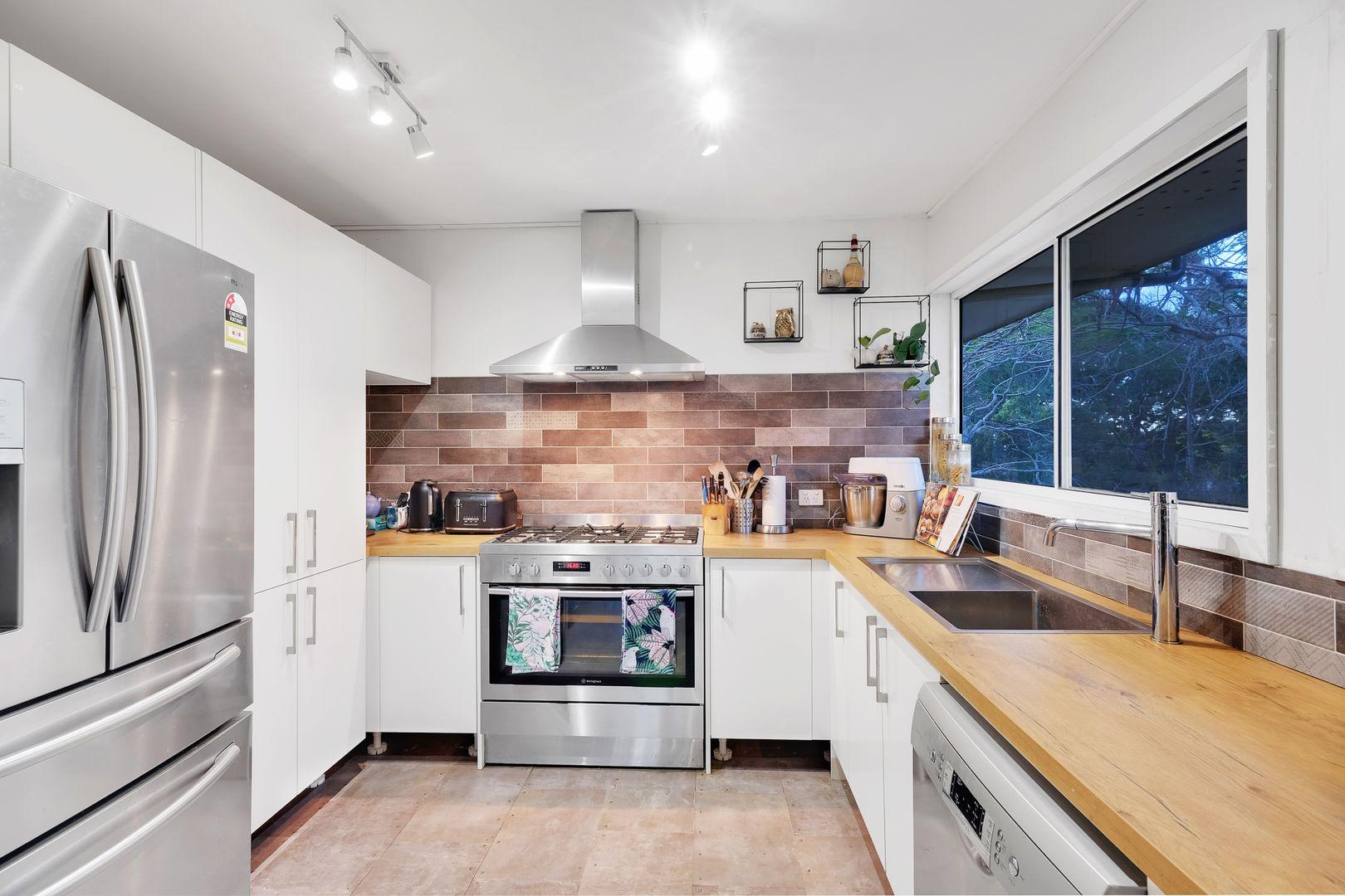 11 Luss Street, Moggill QLD 4070, Image 2