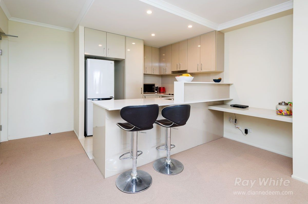 408/66 Slobodian Avenue, Eight Mile Plains QLD 4113, Image 2