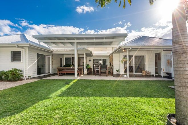 Picture of 139 Overall Drive, POTTSVILLE NSW 2489