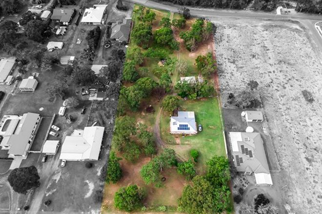 Picture of 7 Senor Avenue, URANGAN QLD 4655