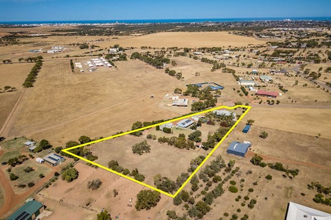 Picture of 3 Canter Court, DEEPDALE WA 6532