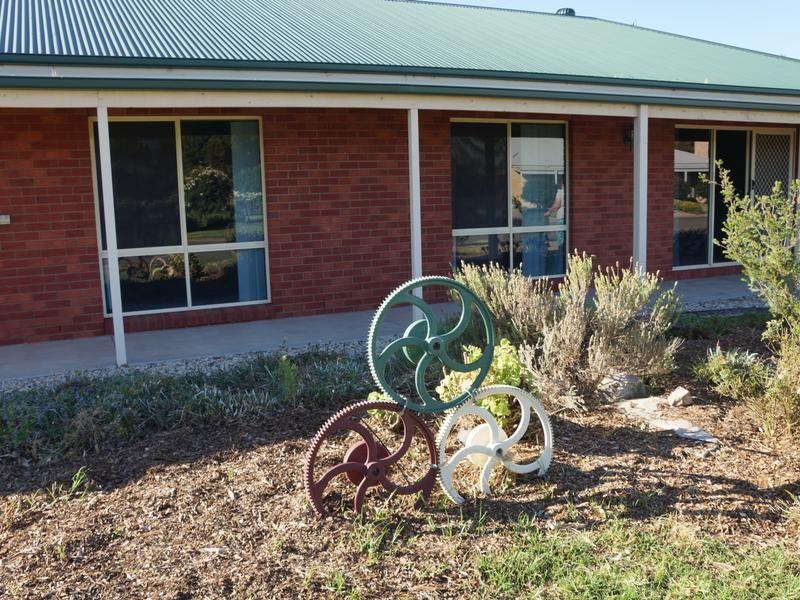 4 Bundoora Avenue, Jerilderie NSW 2716, Image 1