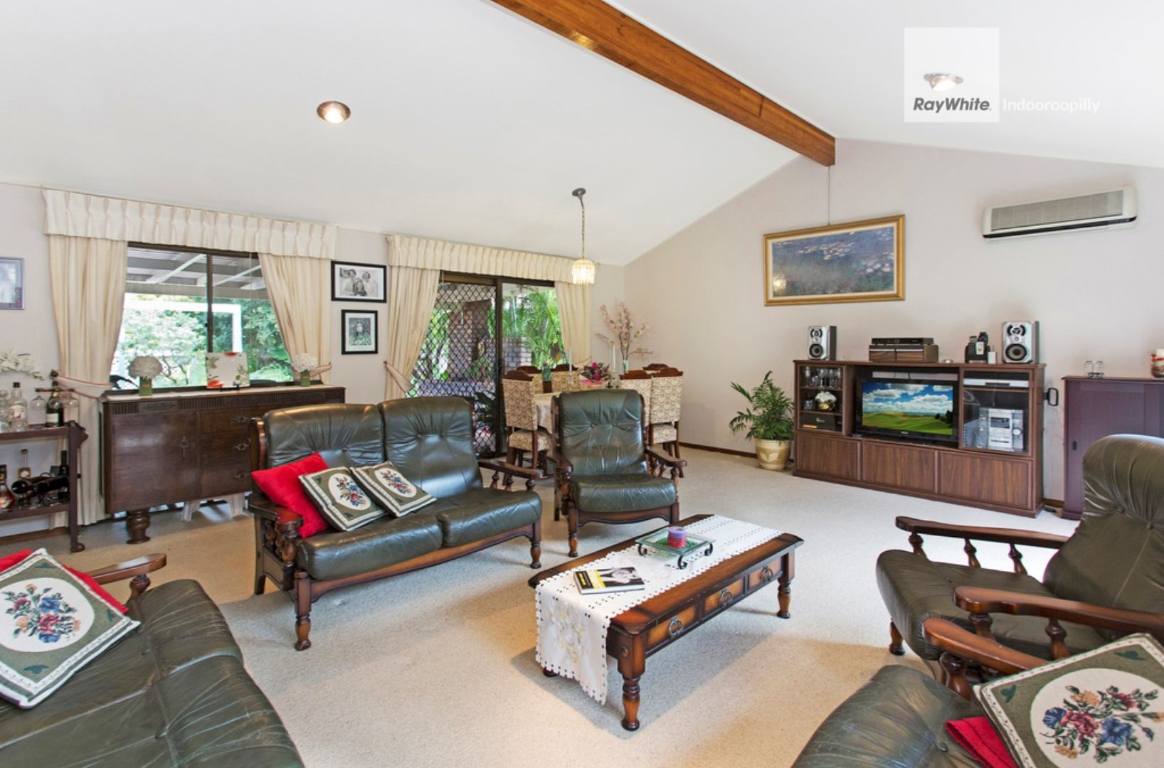 31 Dobell Street, Indooroopilly QLD 4068, Image 2