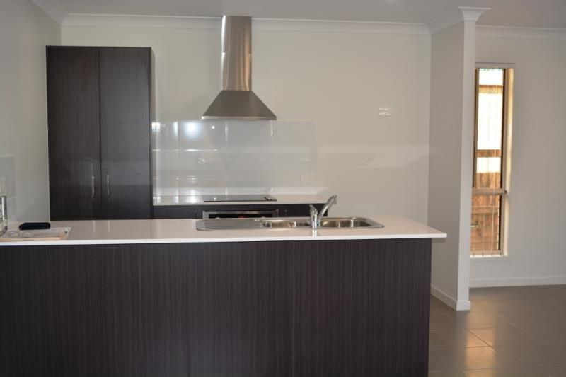 93 Flora Terrace, Pimpama QLD 4209, Image 2