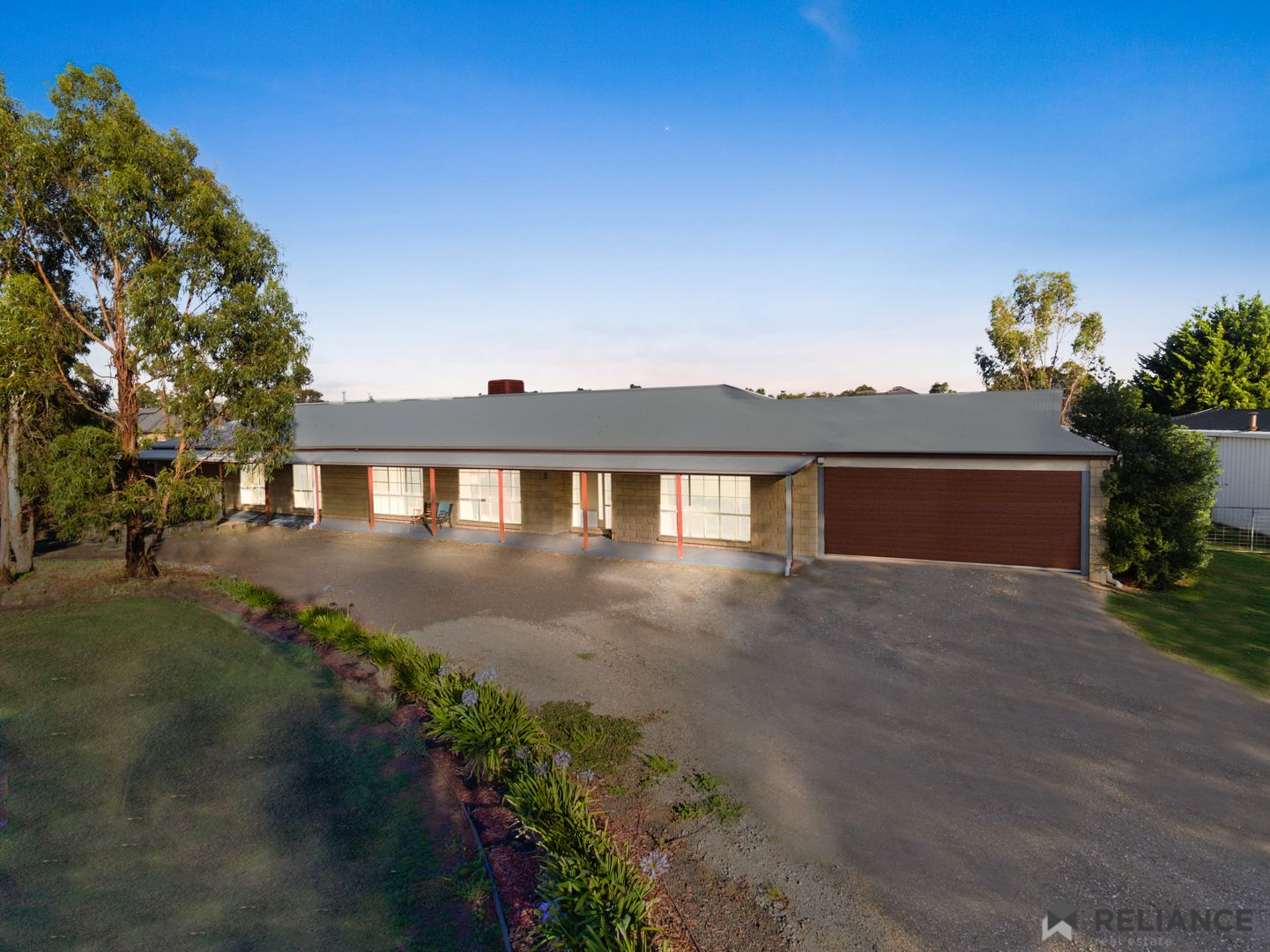 8 Killarney Drive, Melton VIC 3337, Image 2