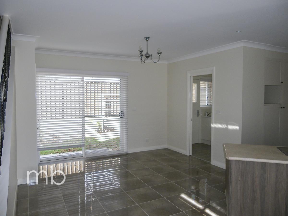 2/18 Whitney Place, Orange NSW 2800, Image 1