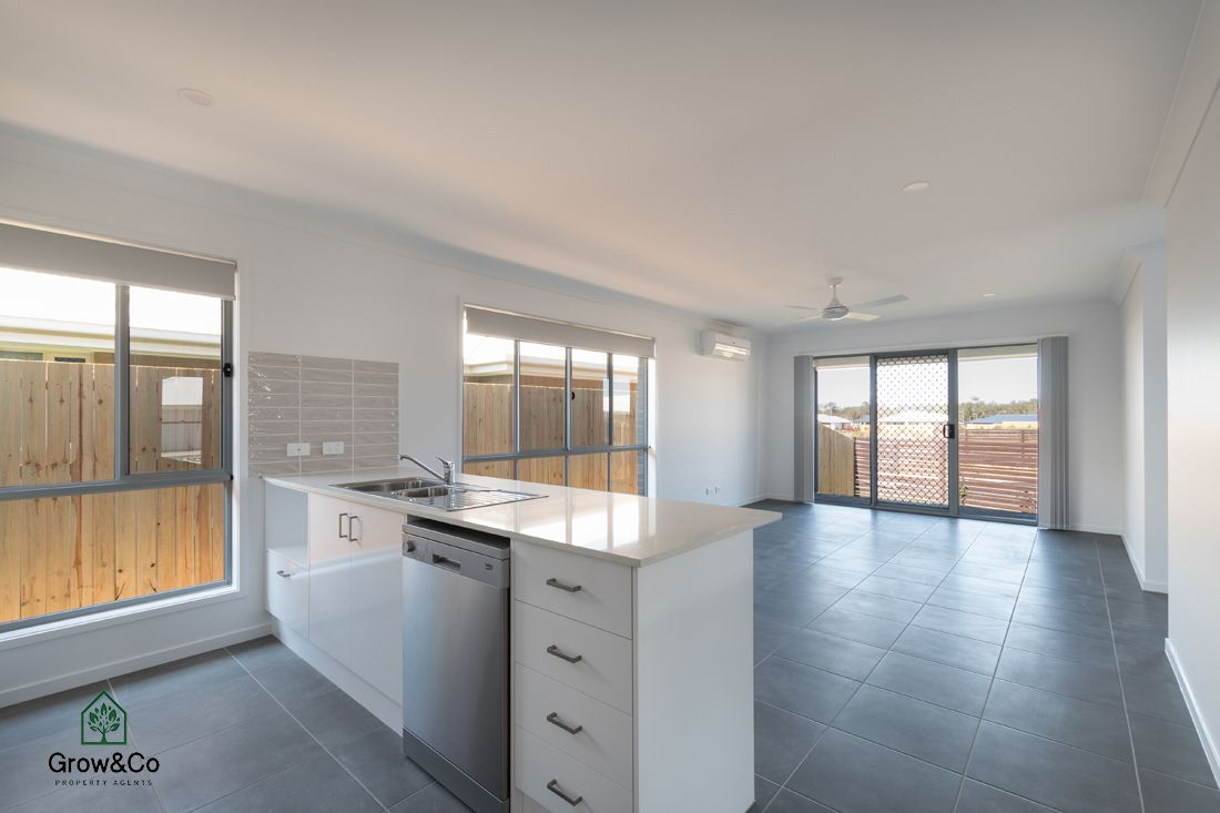 4 Mount Ballow Street, Park Ridge QLD 4125, Image 1