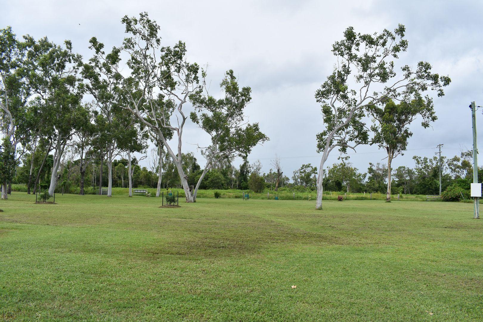 78 Hydeaway Bay Drive, Hideaway Bay QLD 4800, Image 2