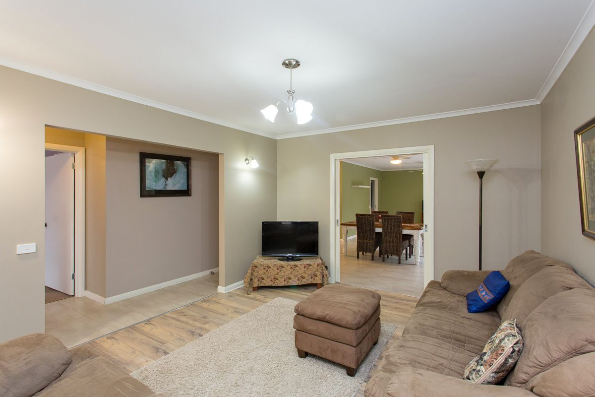 8 Kinnane Court, Ballarat North VIC 3350, Image 2
