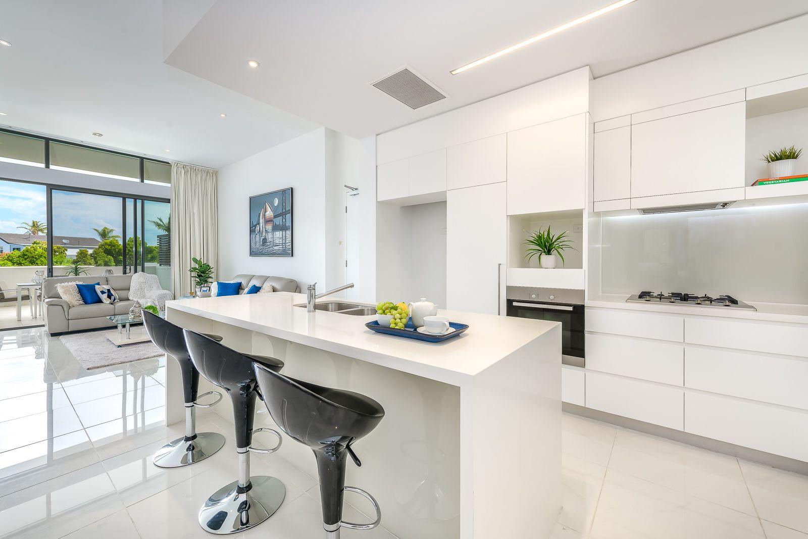 1102/1 Sunset Avenue, Paradise Point QLD 4216, Image 1