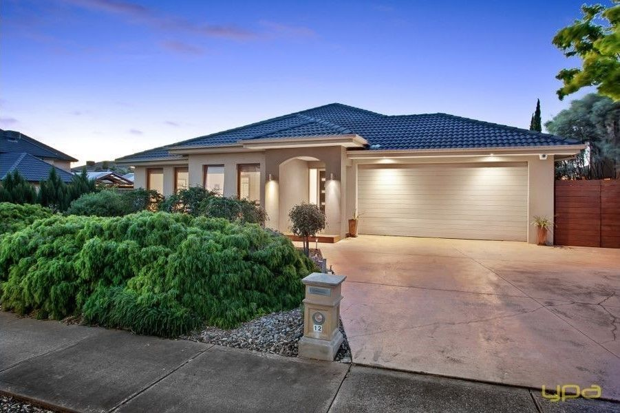 12 Evening Close, Sanctuary Lakes VIC 3030, Image 0