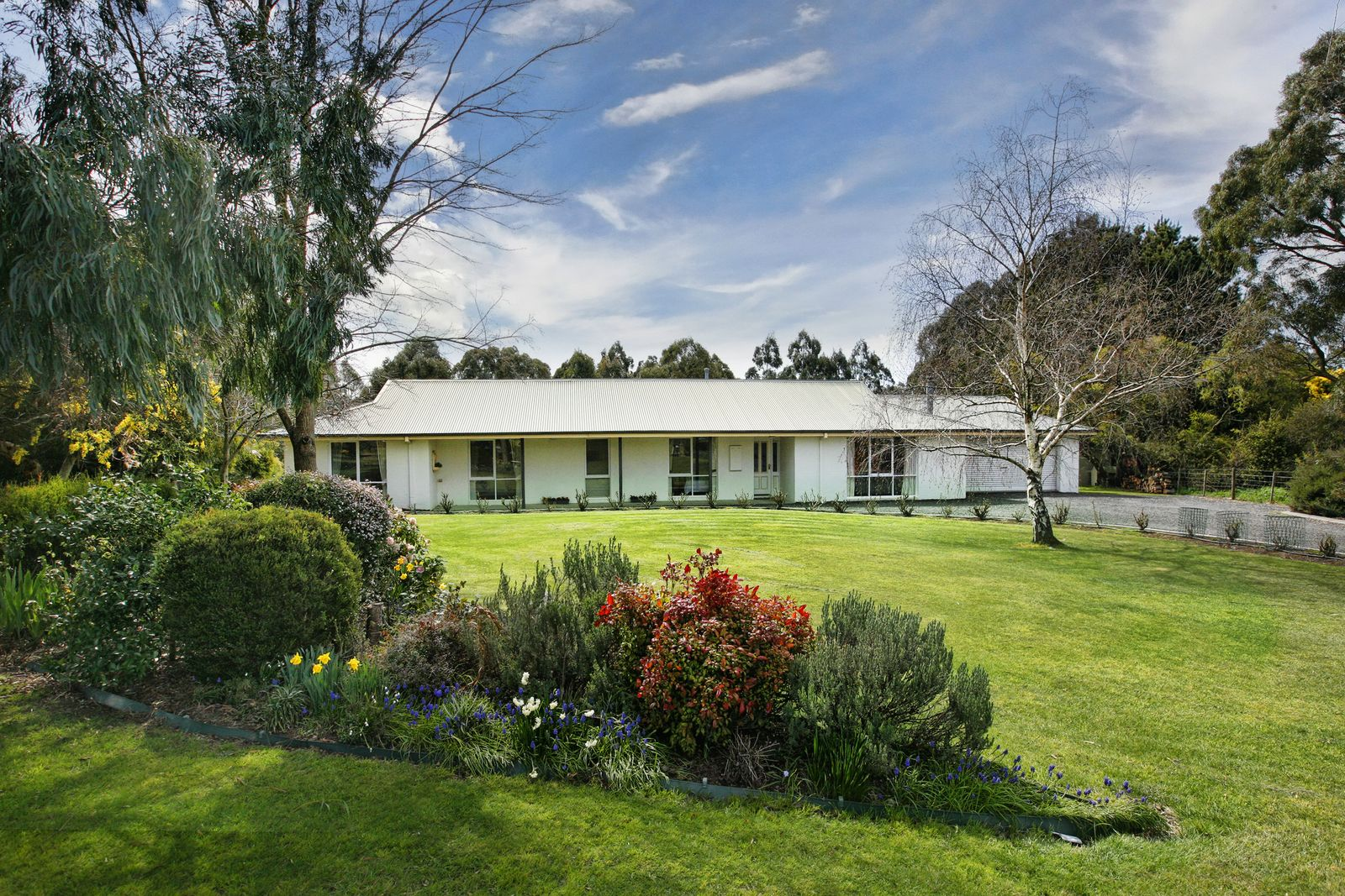 8 Dowie Court, Romsey VIC 3434, Image 0