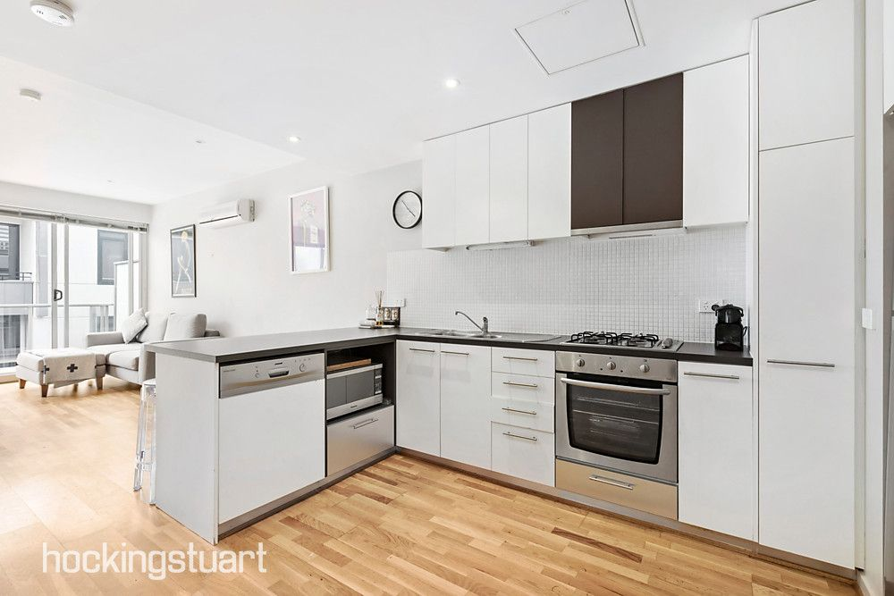 615/54-60 Nott Street, Port Melbourne VIC 3207, Image 2