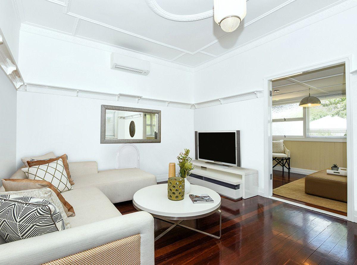 15 Bridge Street, Mount Lofty QLD 4350, Image 2