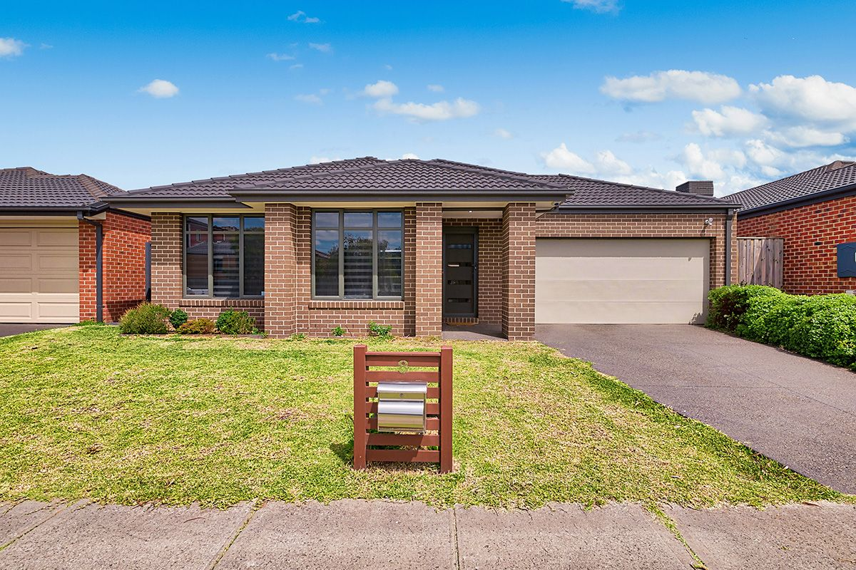 8 Alice Mary Road, Cranbourne West VIC 3977, Image 0