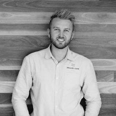 Jamie Vibert, Sales Associate