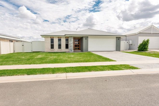 Picture of 73 Canterbury Road, EMERALD QLD 4720